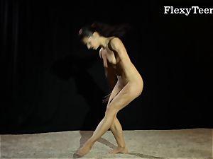 scorching butt gymnast dancing