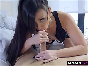 Step-Mom Wakes Sleeping son For man rod And creampie