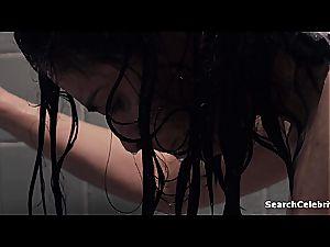 celeb Sarah Silverman flaunting her udders