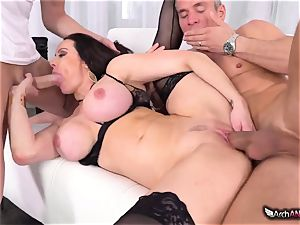 Markus Dupree, Mike Blue and nasty cougar Kendra fervor