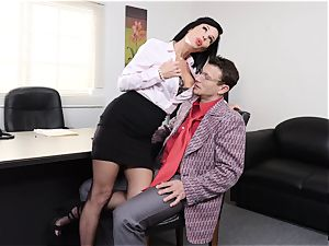 spurting dark-haired Veronica Avluv vag rammed and fisted