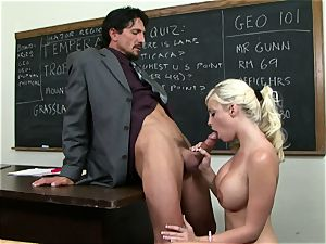 Classroom cutie Britney Amber gets a lesson in giving head