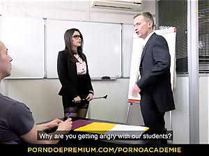 porn ACADEMIE - professor Valentina Nappi MMF threesome