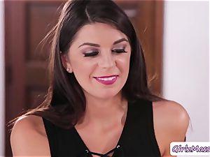 massagist Jayden Cole loves slurping customer Olivia Luas raw slit in the table