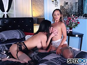 Nikki Benz and Jessica Jaymes scissoring