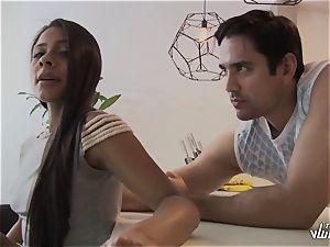 TU VENGANZA - teenager Colombian first-timer in revenge poke