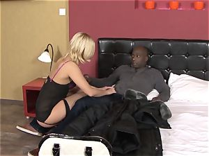 Invited a stranger cuckold trainer to plow light-haired wife