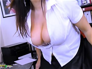 OldNannY enormously huge-boobed Mature Lulu Showoff