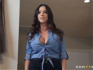 Ariella Ferrera hot 3some