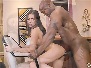Mellissa Moore gets Nat Turner to handle her thicket