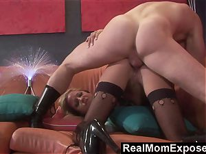 RealMomExposed mischievous mummy Gets inserted and