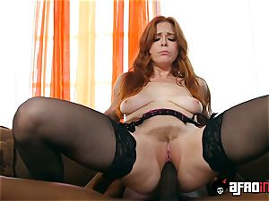 casting ALLA ITALIANA sandy-haired banged by a black spunk-pump