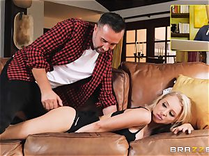 Alix Lynx assfuck romped by dangled Keiran Lee