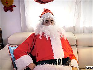 Spizoo - see Jessica Jaymes smashing Santa Claus